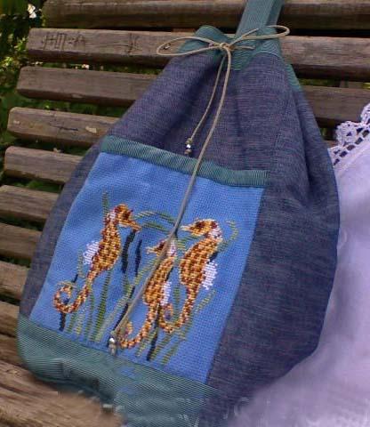 Вышивка на джинсовом рюкзаке 17